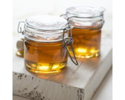 Mierea de albine – ingredientul principal in 4 retete de frumusete